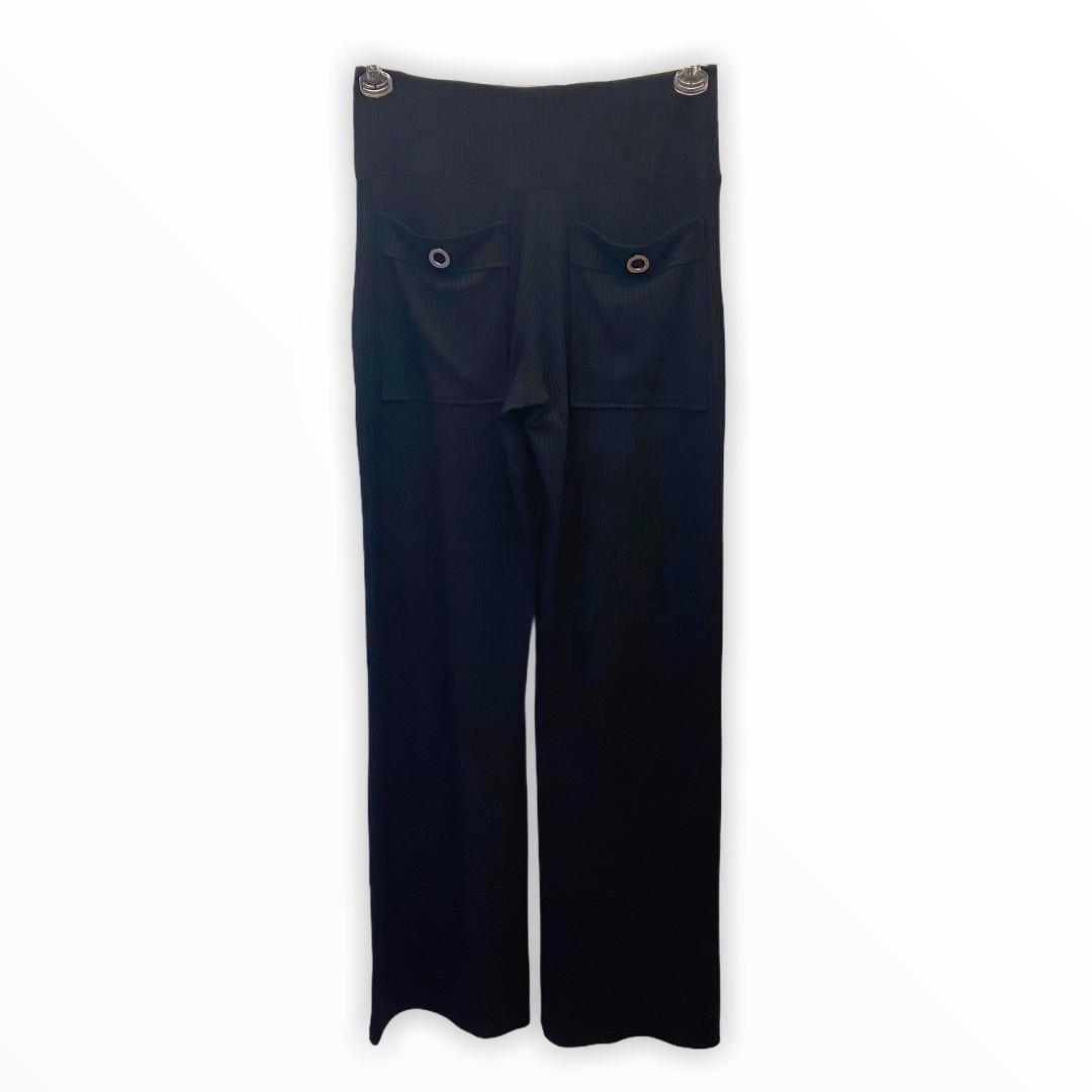Calça canelada com ilhós nos bolsos preta  - Vivian Bógus