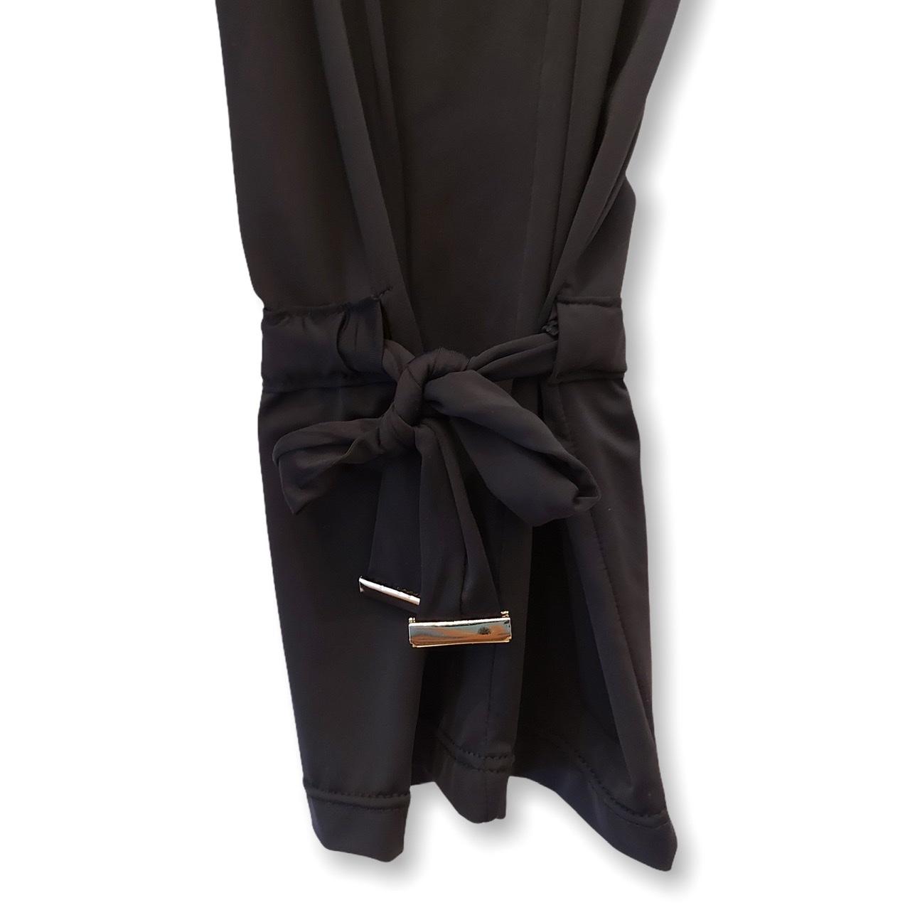 Calça em malha fria preta com amarração  - Vivian Bógus