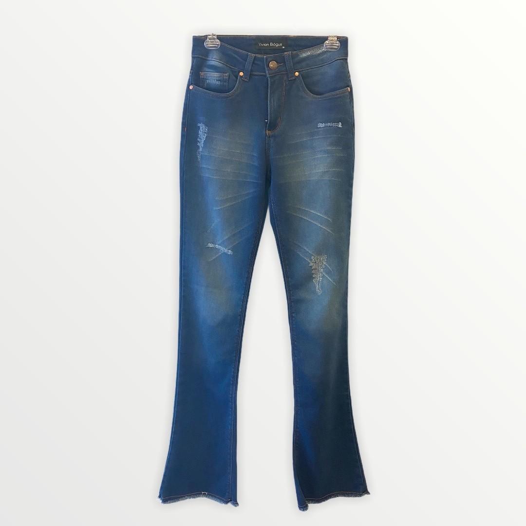 Calça Jeans Flare barra desfiada  - Vivian Bógus
