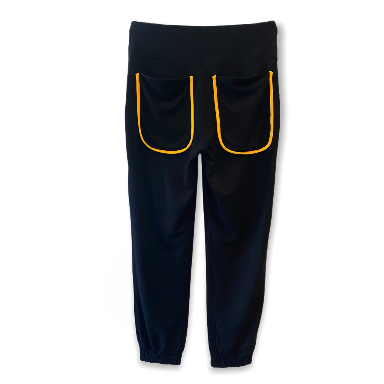 Calça Jogger em malha preta com frisos amarelos  - Vivian Bógus