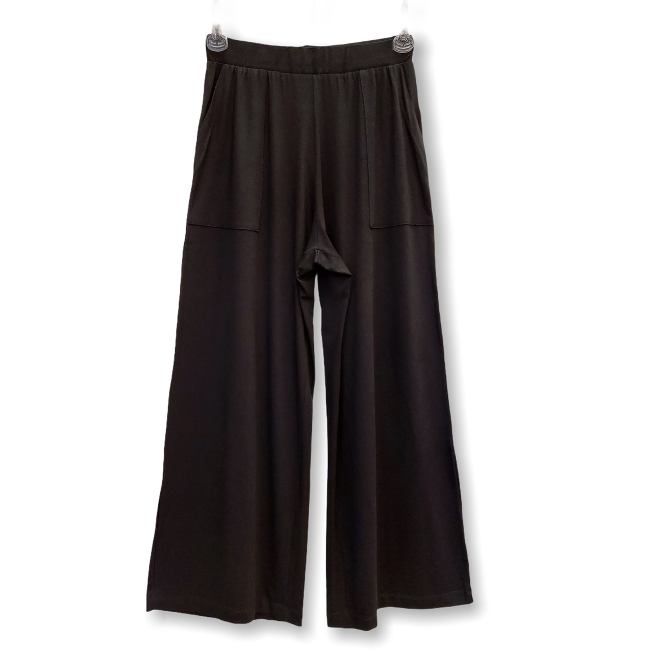 Calça Pantalona preta com bolsos