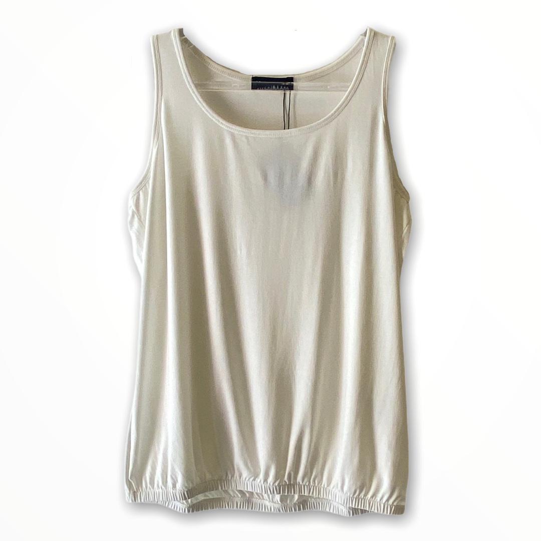 Regata blusê com elástico na barra cor off white  - Vivian Bógus
