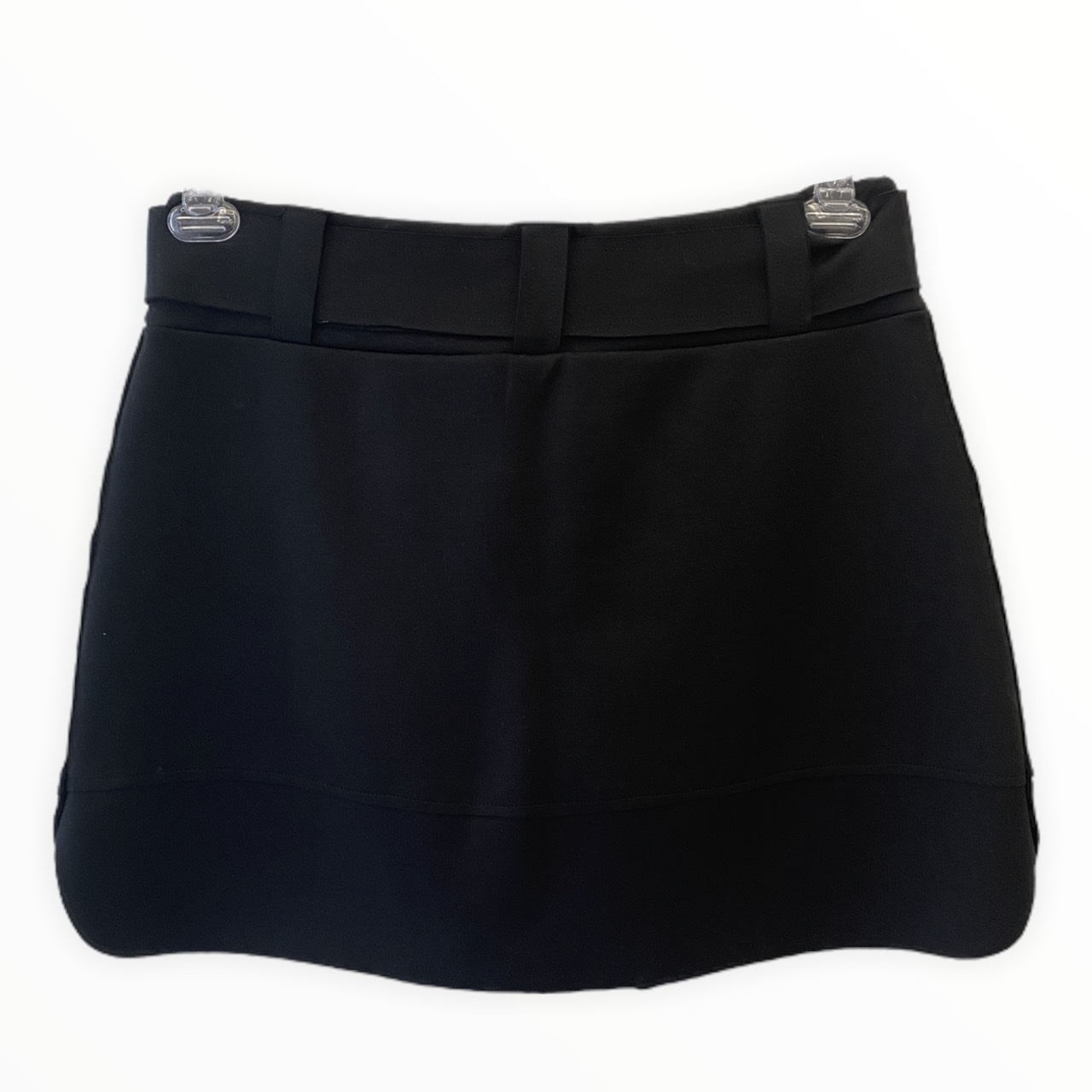Saia-shorts em neoprene preto com faixa