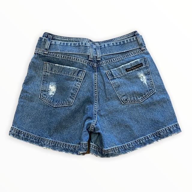 Short Jeans mom com faixa