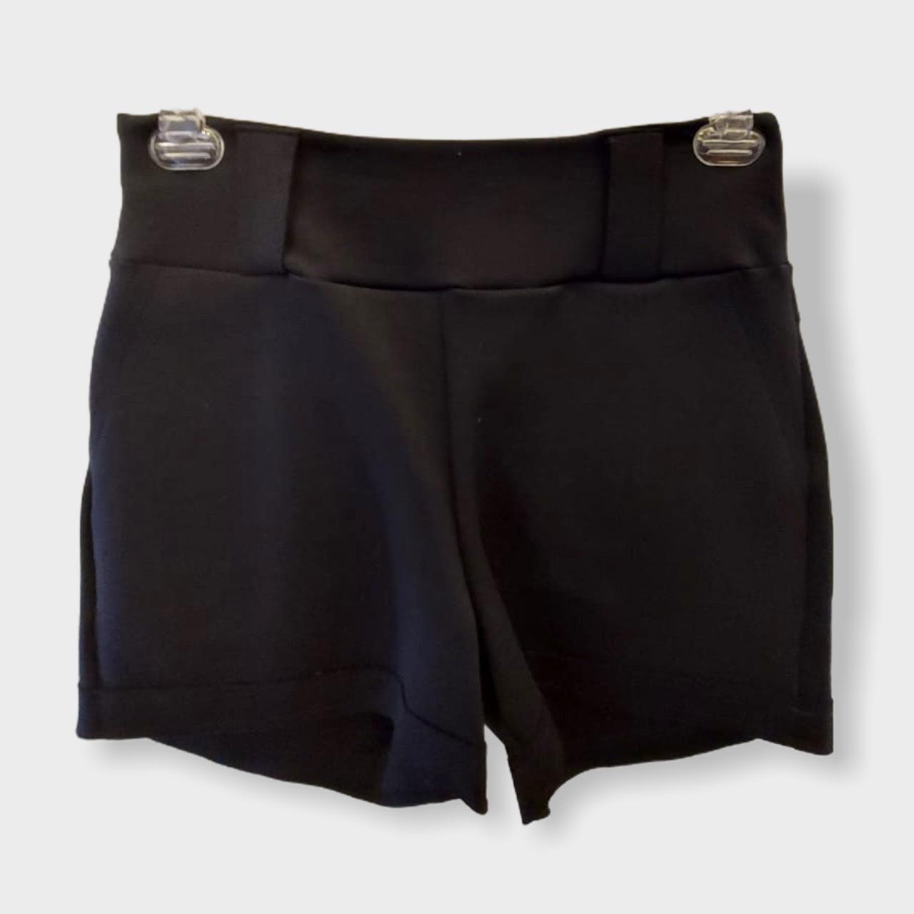 Short preto com detalhe bolso   - Vivian Bógus