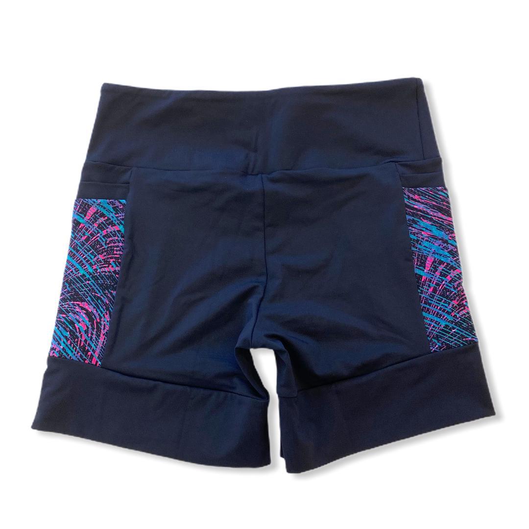 Shorts 4 bolsos em sportiva preto e bolso rosa estampado  - Vivian Bógus