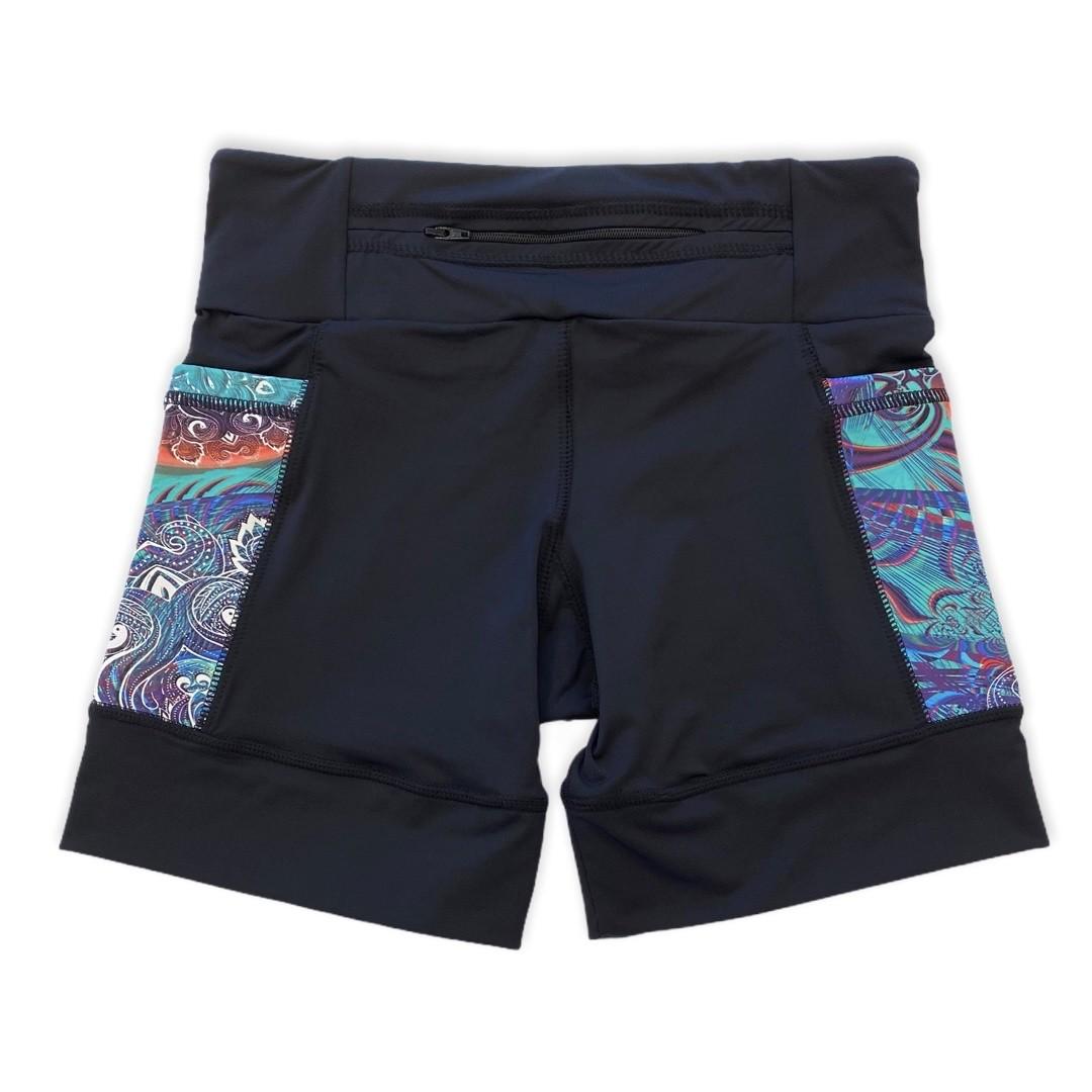Shorts com bolso secreto em sportiva preto bolso verde estampado  - Vivian Bógus