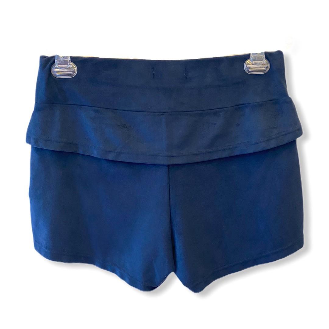Shorts em suede azul marinho