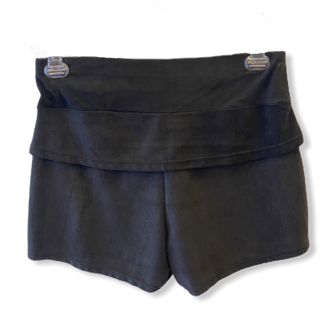 Shorts confort em suede preto estonado  - Vivian Bógus