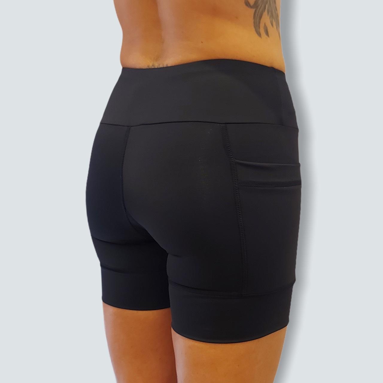 Shorts de compressão 2 bolsos laterais Square em sportiva preto  - Vivian Bógus