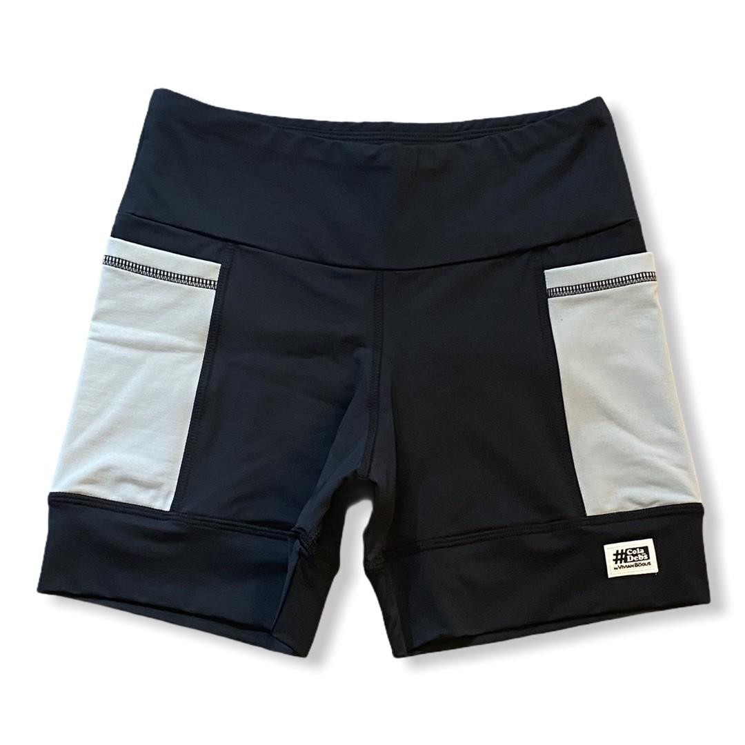 Shorts de compressão 2 bolsos laterais Square em sportiva preto bolsos cinza  - Vivian Bógus