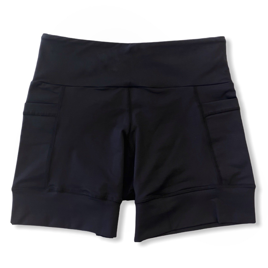 Shorts de compressão ReStart  com bolsos laterais em bodytex preto   - Vivian Bógus