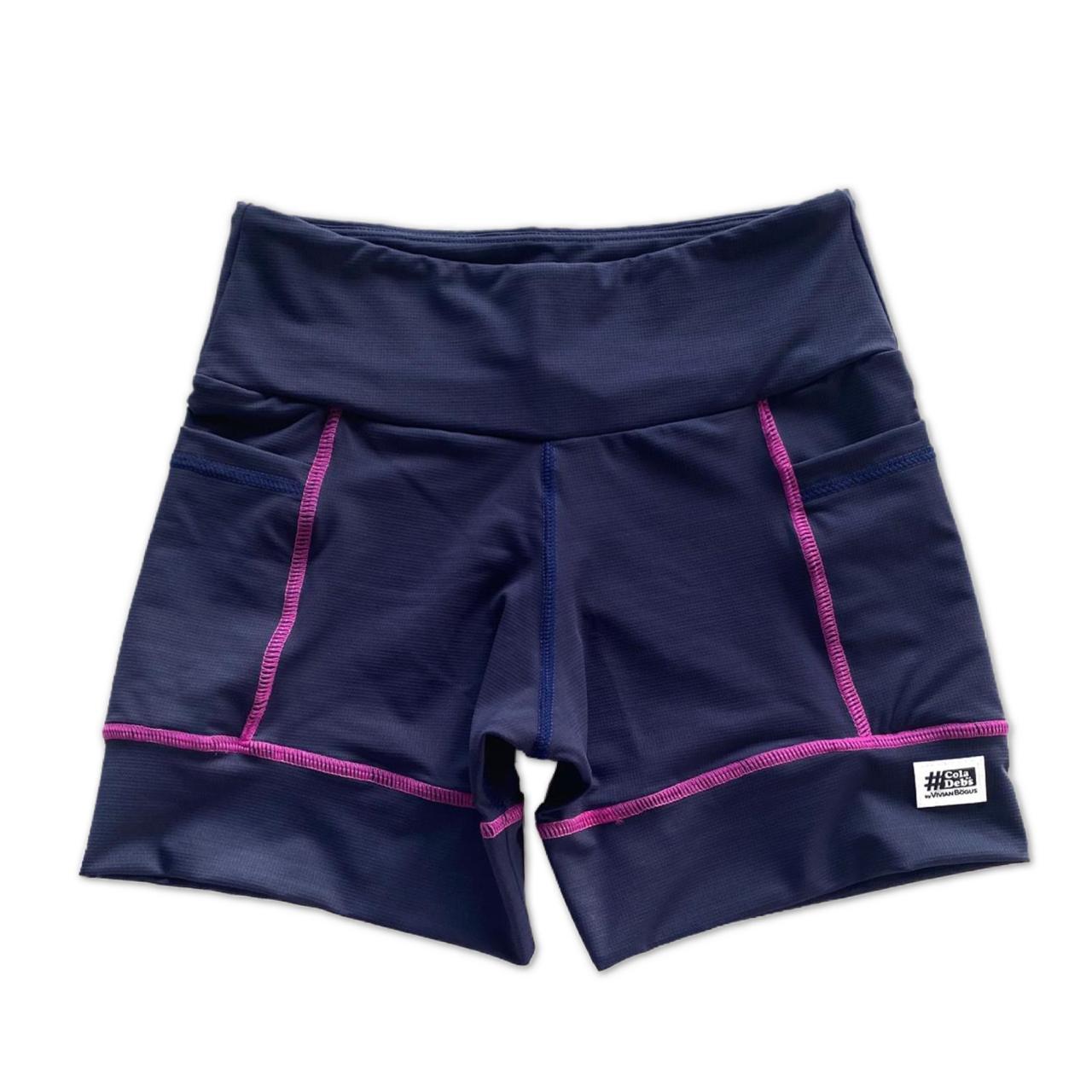 Shorts de compressão square em compress marinho com costura rosa  - Vivian Bógus