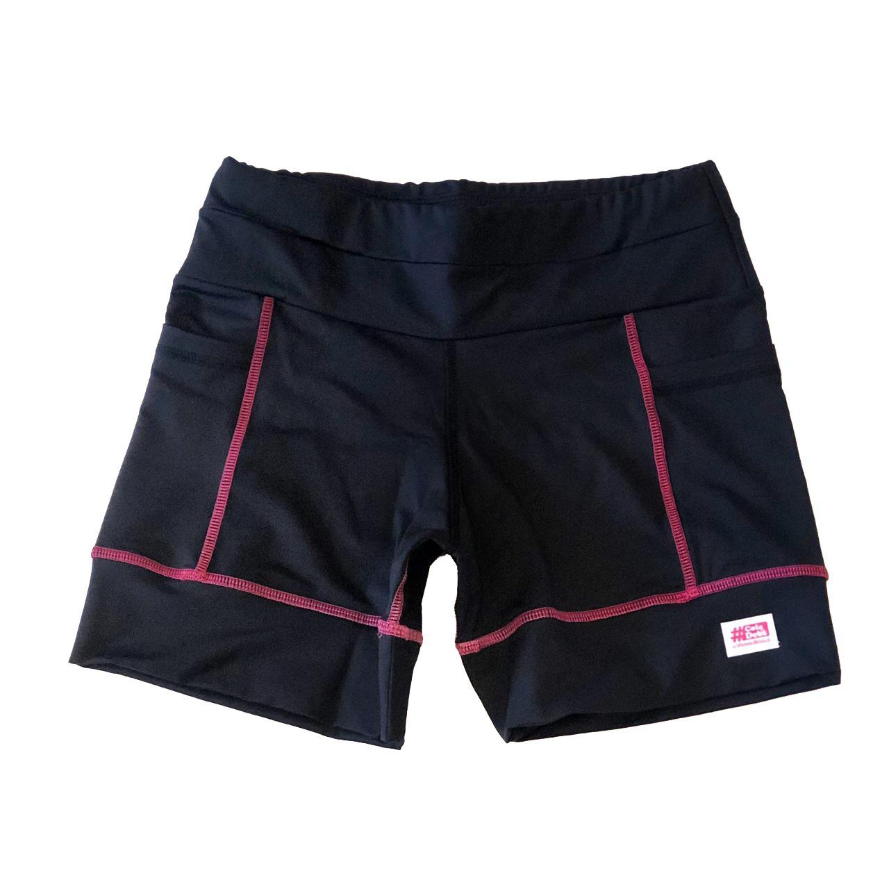 Shorts Multibolsos preto com costura rosa em compress  - Vivian Bógus