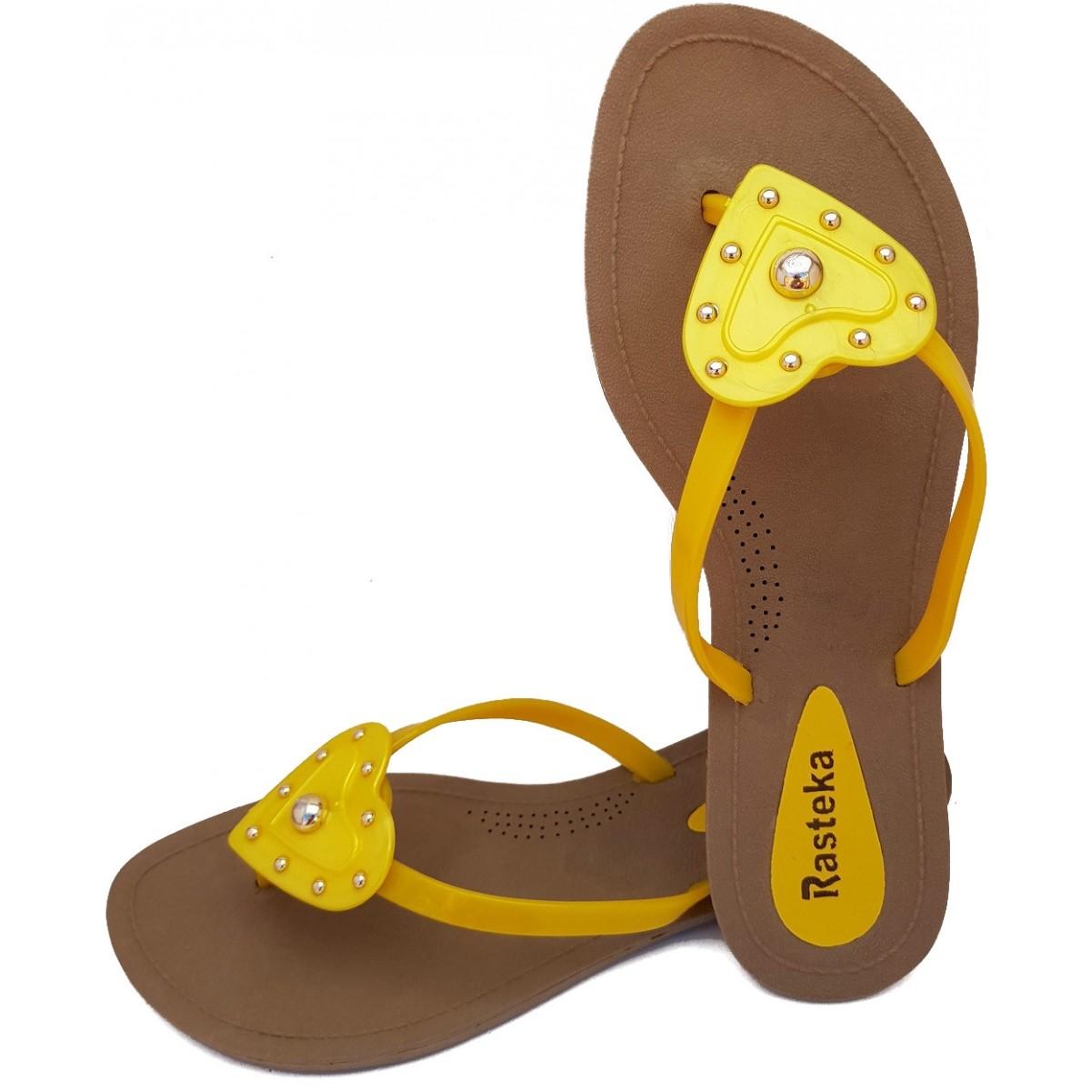 Sandália Rasteira Rasteka Super Confortável - Coração Amarelo com Prata, Solado Bege e Tiras Amarelas  - ShopNoroeste.com.br