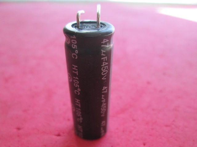 2 PÇS CAPACITOR ELETROLÍTICO RADIAL HERMEI 47uF 450v 105º 12,5 mm diametro x 35 mm comprimento