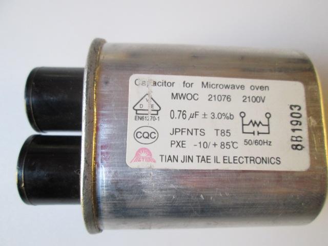 CAPACITOR DE MICRO-ONDAS MWOC 21076 2100V  0,76uF ± 3.0% B  50/60 HZ  -10/85º C