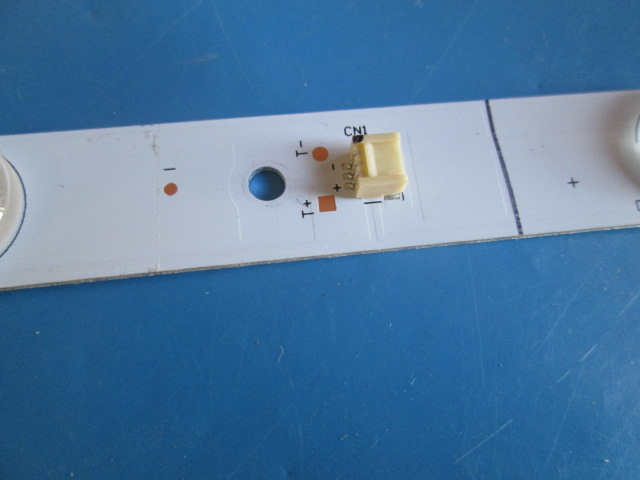 BARRA DE LED TV PHILCO PH28N91D 1.30.1.280N91003R