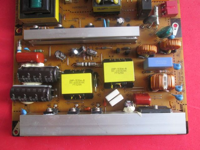 PLACA FONTE LG 42PT250B / 42PT350B / 42 PW350B  EAX63329801/8 / EAY62170901 / 3PAGC10036A-R