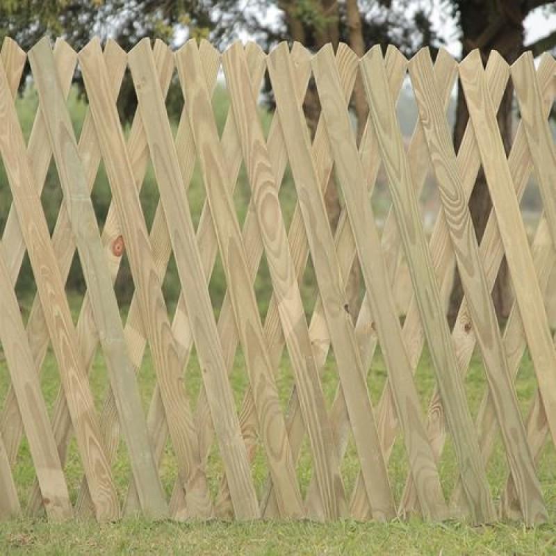Cerca Sanfonada Fixa de madeira tratada 120x250 cm (01 unidade)