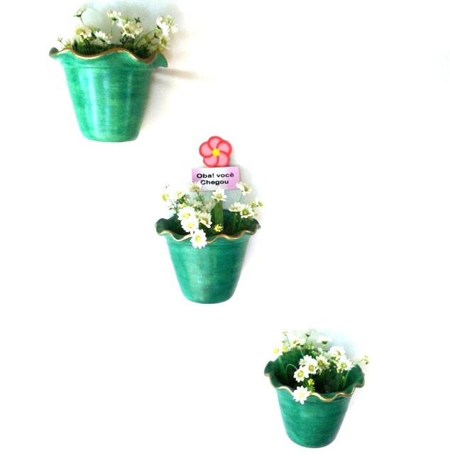 Trio de vasos de parede decorativos verde com flores