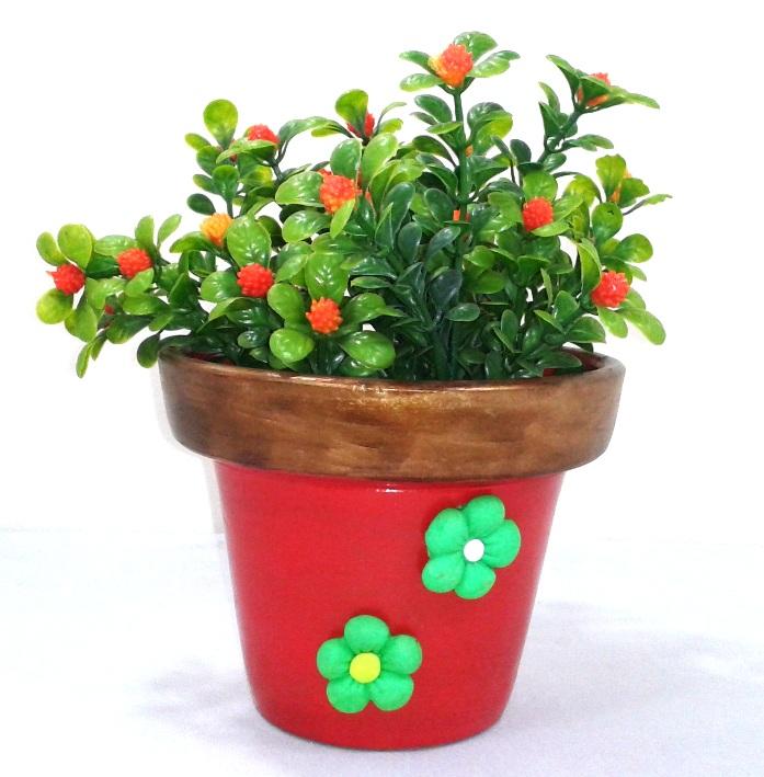 Vaso decorativo vermelho com flores