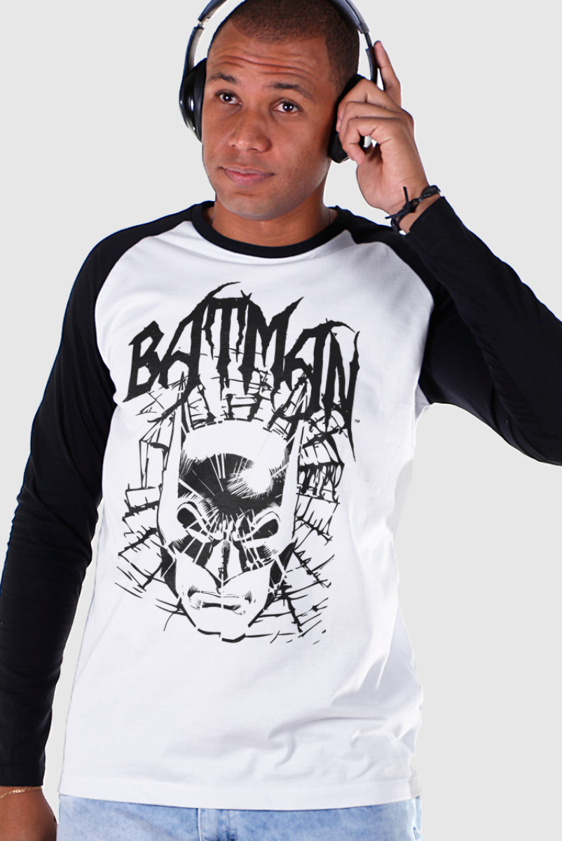 Camiseta Manga Longa Raglan Masculina Batman Dark Alley