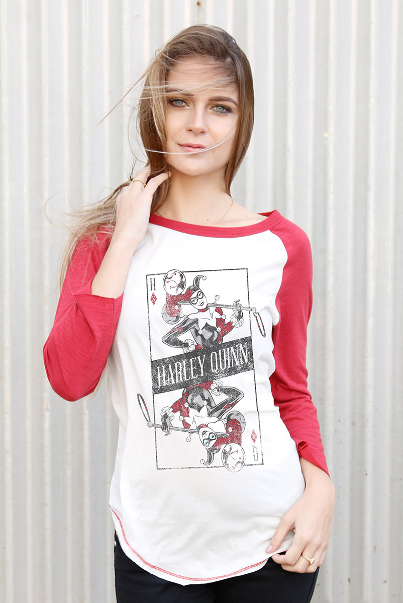 Camiseta Manga Longa Feminina Harley Quinn Danger Card