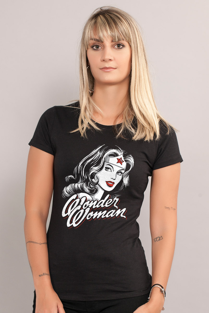 Camiseta Feminina Wonder Woman Fashion