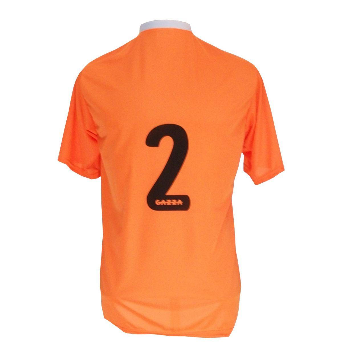 Uniforme Esportivo Completo modelo PSG 14+1 (14 camisas Laranja/Preto/Branco + 14 calções Madrid Preto + 14 pares de meiões Brancos + 1 conjunto de goleiro) + Brindes