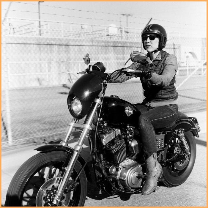 Carenagem de Farol Harley Sportster 883 e 1200 - Preto Brilho  - Race Custom