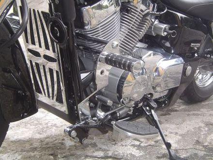 Protetor de Motor com Pedaleiras Dalavas para Shadow 750 até 2010  - Fabiana Dubinevics - Ofertão Virtual