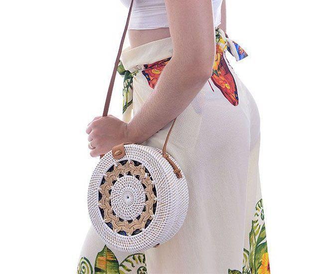 Bolsa Branca Redonda De Rattan Detalhe de Mandala