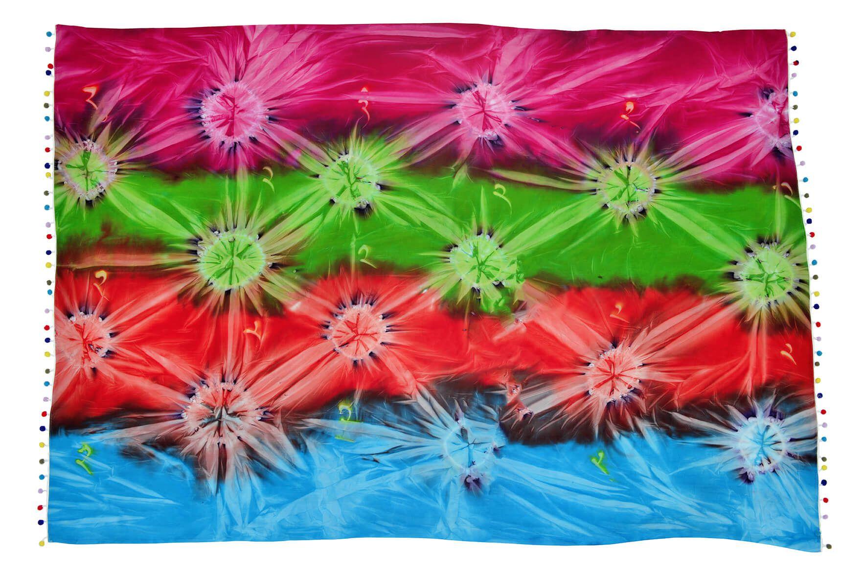 Canga de Praia Tie Dye Batik Com Pom Pom Colorido