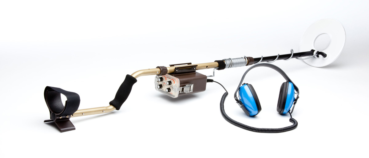 """Detector de Metais Tesoro Sand Shark com Bobina de 10""""  - Fortuna Detectores de Metais"""