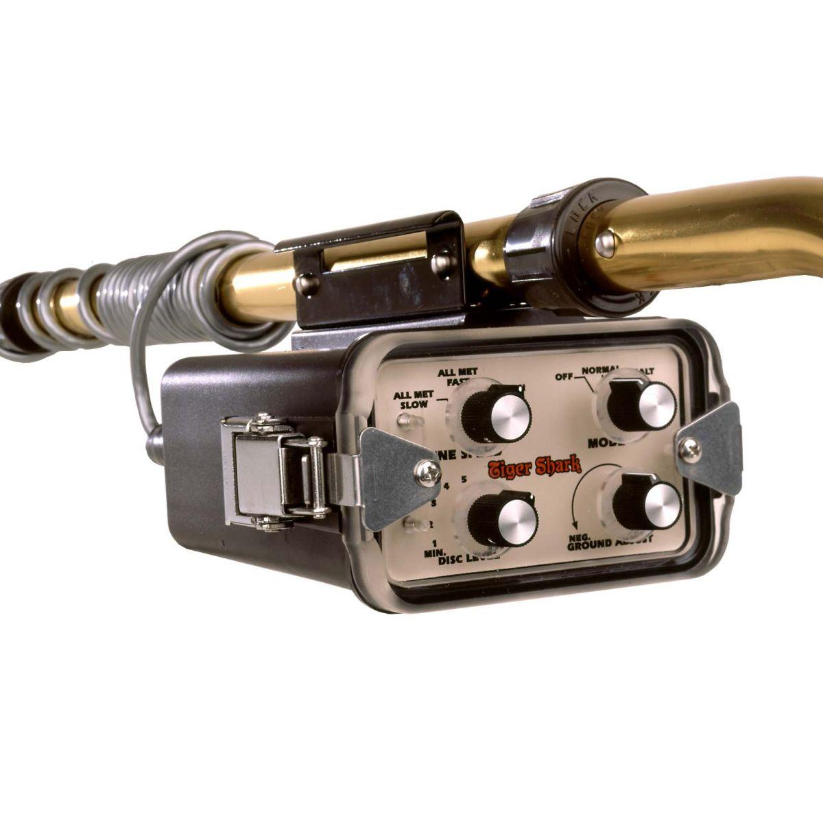 """Detector de Metais Tesoro Tiger Shark com Bobina de 8""""  - Fortuna Detectores de Metais"""