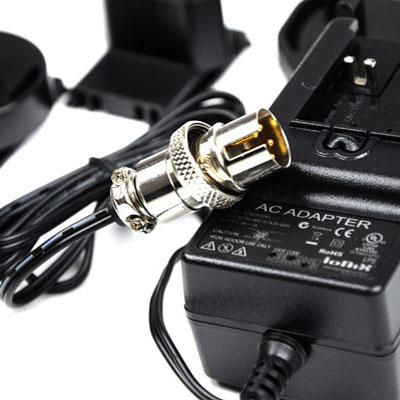 Carregador de baterias bivolt (110/220V) Minelab para detectores de metais da série GPX  - Fortuna Detectores de Metais