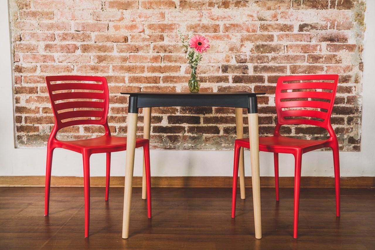 Cadeira Sofia Vermelha Tramontina Encosto Vazado Horizontal 92237/040