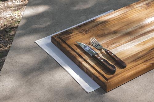 Tábua para Churrasco em Madeira Teca 58 x 39 cm