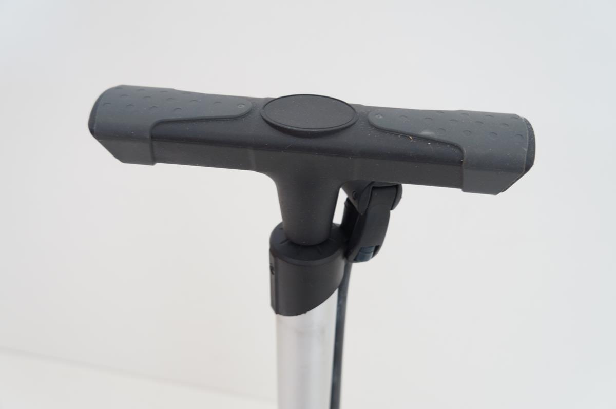 Bomba de Pé para bicicletas Beto Calypso até 120psi em Aluminio