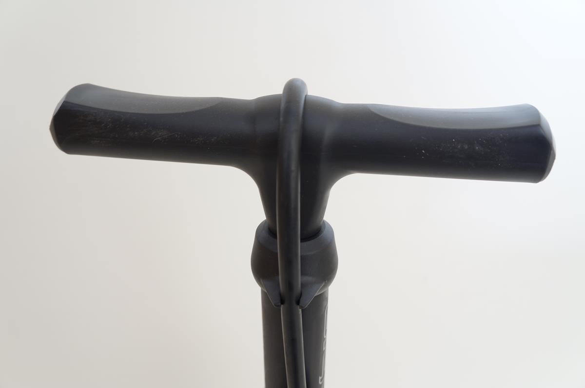 Bomba de Ar Pé para bicicletas Giyo GF43P Com Manômetro 160psi