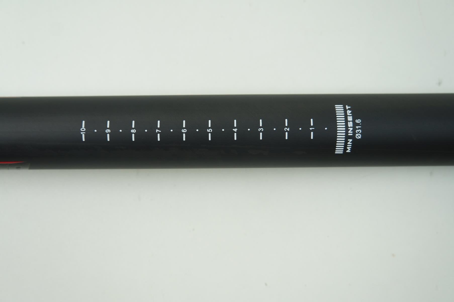 Canote de Selim Vicinitech em Carbono 31.6 x 400mm Preto com Microajuste