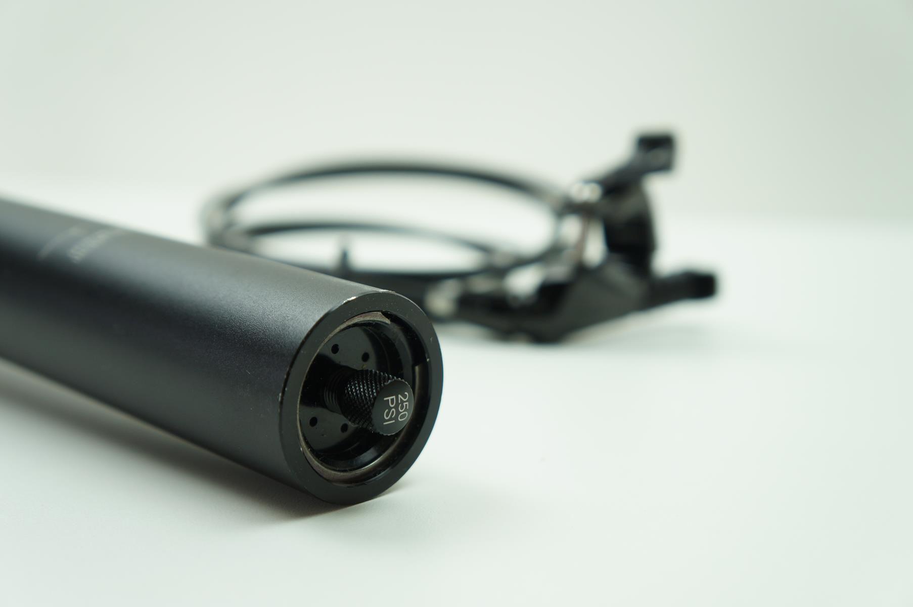 Canote MTB Rock Shox Reverb 34.9 x 390mm Telescópico Retrátil Preto