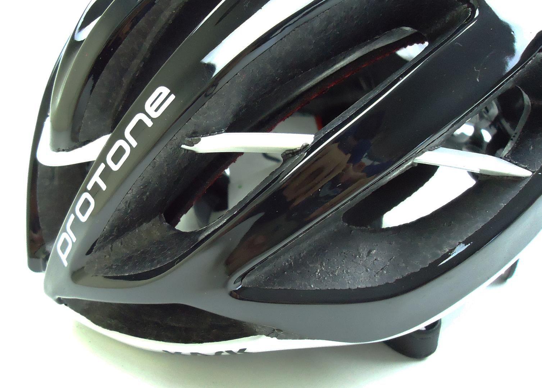 Capacete Bicicleta Protone Tamanho M 52-58cm Cor Preto com Branco