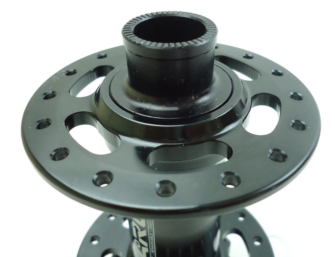 Cubo Dianteiro ARC Boost Eixo 15x110mm QR15 32 Furos com Rolamentos 150 gramas