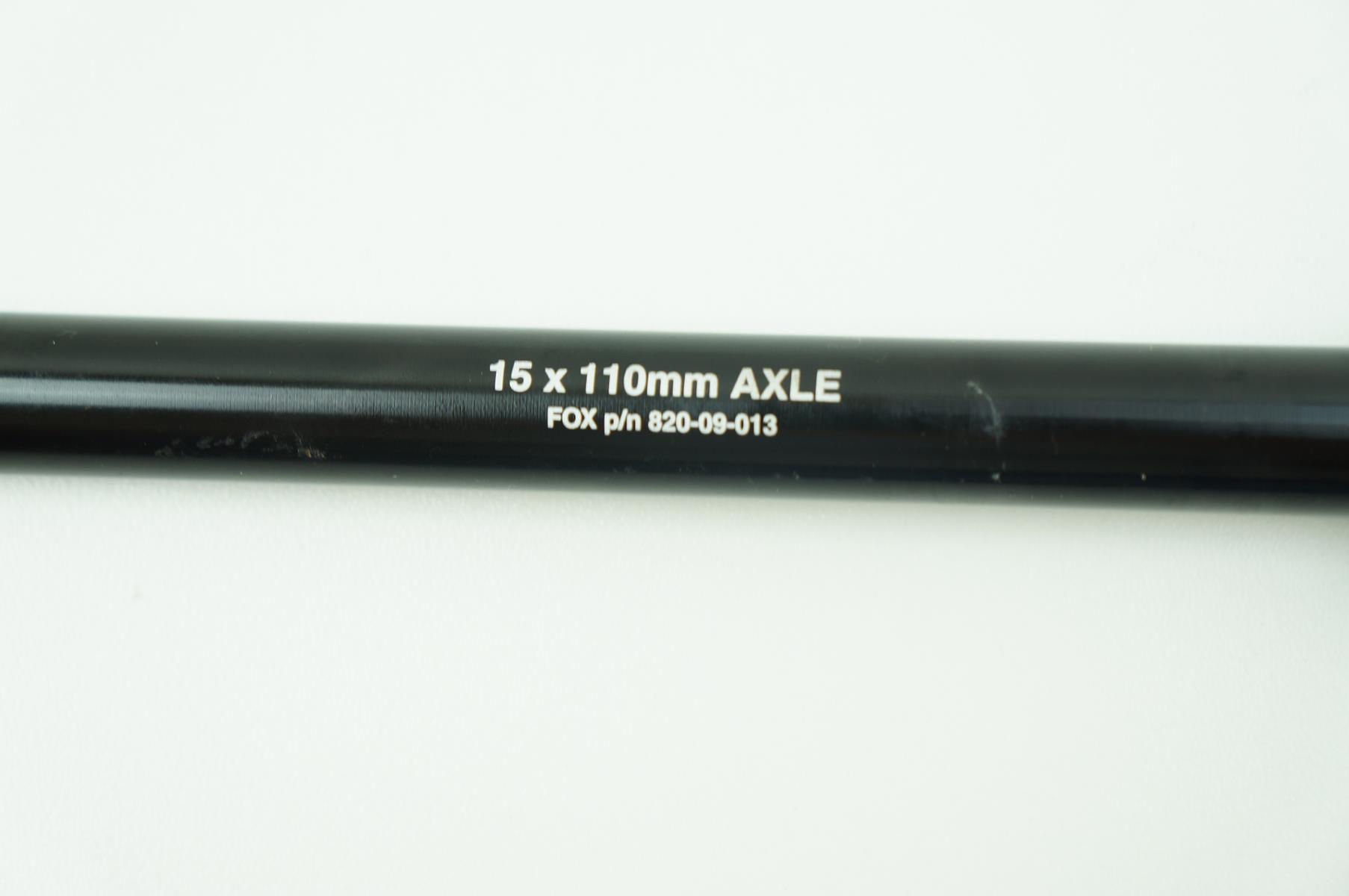 Eixo 15mm Passante Blocagem Dianteira Fox 15 x 110mm Boost Preto