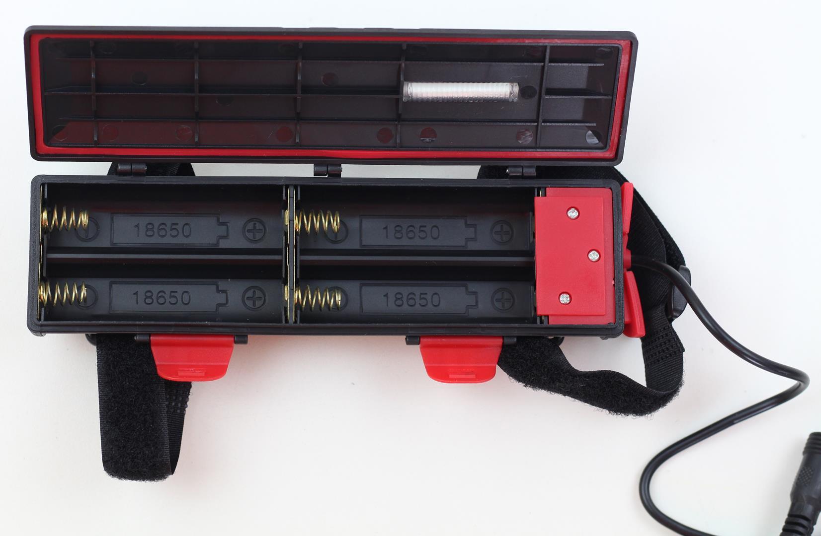 Farol para Bicicletas com Super Led Cree T6 Bateria Recarregável de 4 células com Carregador Celular