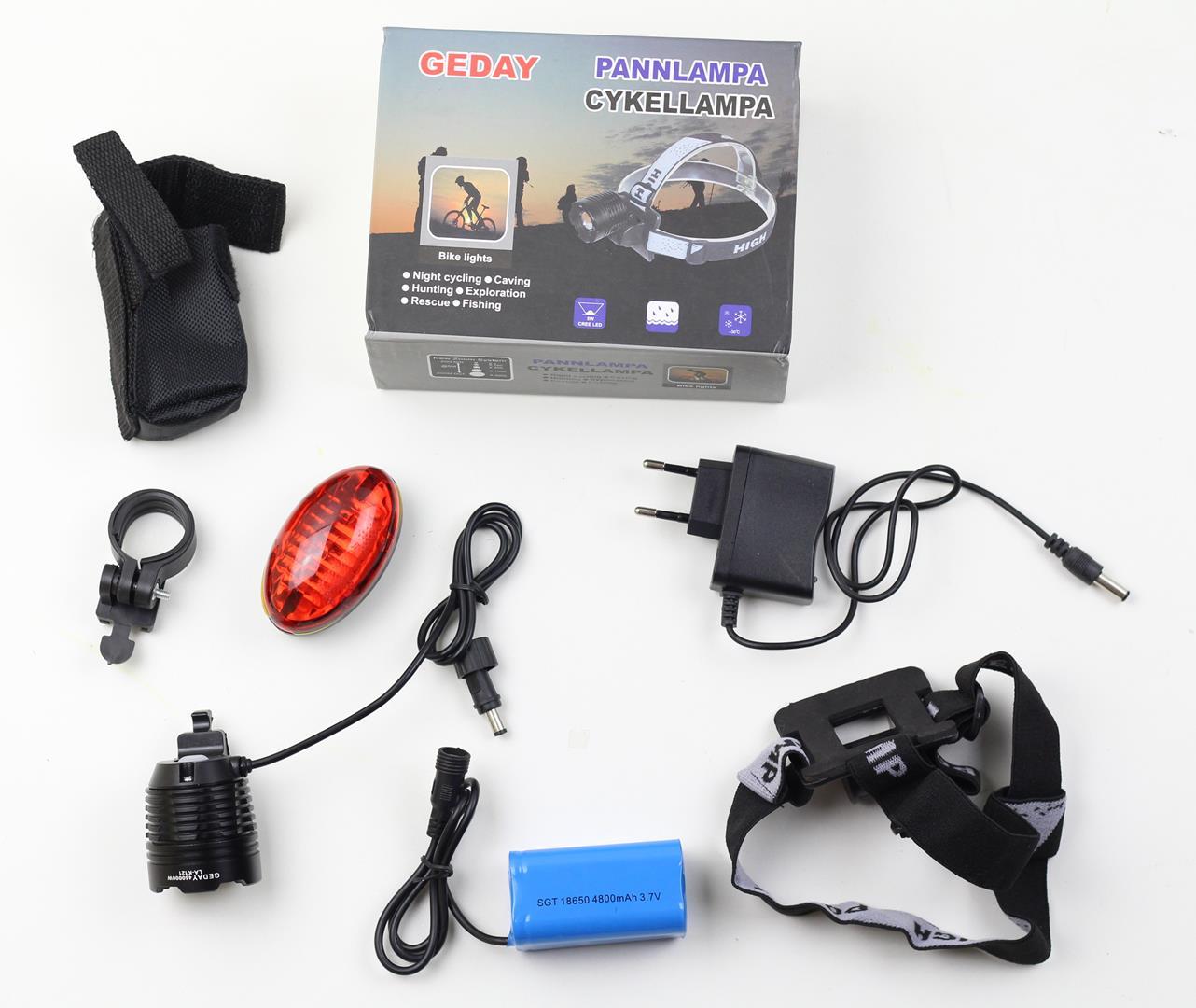 Farol para Bicicletas com Super Led Cree T6 Bateria Recarregável de 4 células Zoom e Foco Ajustável