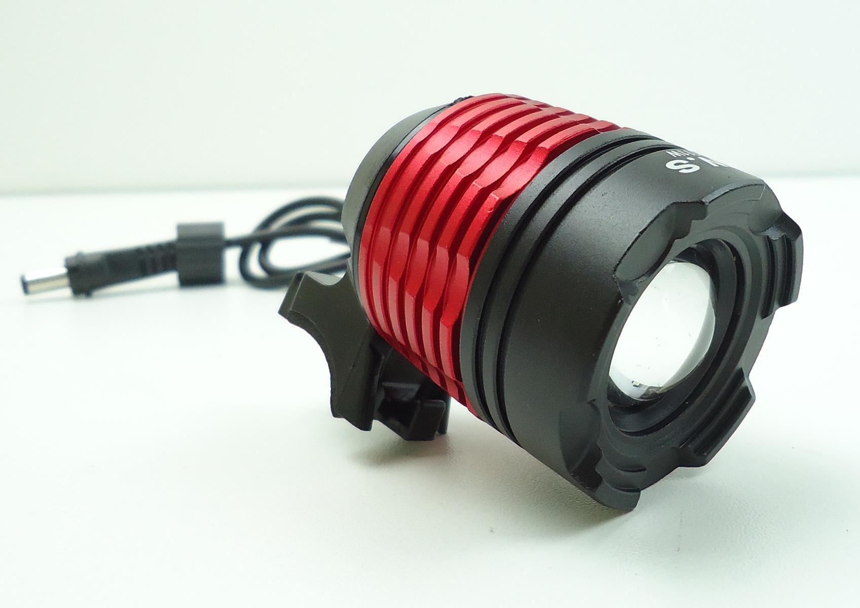 Farol para Bicicletas JWS WS-111W com Super Led Cree T6 Bateria Recarregável de 6 células Zoom e Foco Ajustável