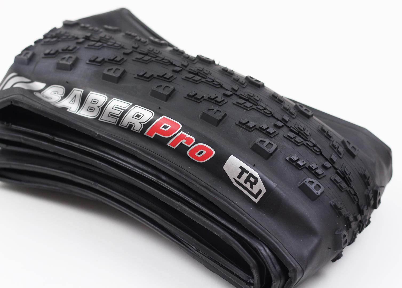 Pneu Bicicleta Mountain Bike Kenda Saber Pro R3C TR 29x2.20 Tubeless Super Leve 560 gramas